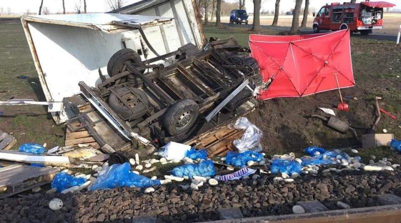 wypadek na przejeździe kolejowym fot. OSP Granowo