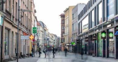 Poznań: Od dziś wchodzą w sklepach godziny dla seniorów