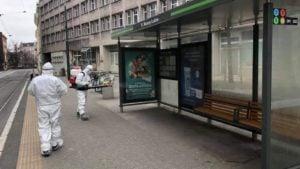 dezynfekcja poznanskich przystankow fot osp mistral9 300x169 - Poznań: Trwa dezynfekcja przystanków komunikacji miejskiej