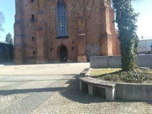 katedra 300x225 - Poznań: Słoneczna niedziela - a miasto puste!