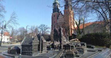 Kościoły w czasie pandemii powinny zostać zamknięte. Tak uważają Polacy