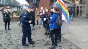 lgbt 1 300x169 - Poznań: Półwiejska i dwie manifestacje: stowarzyszenia Pro-Prawo do Życia i aktywistów LGBT +
