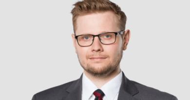 Michał Woś minister środowiska fot. gov.pl