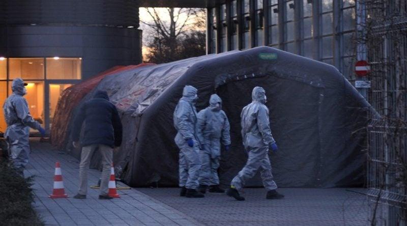 namiot przed szpitalem 1