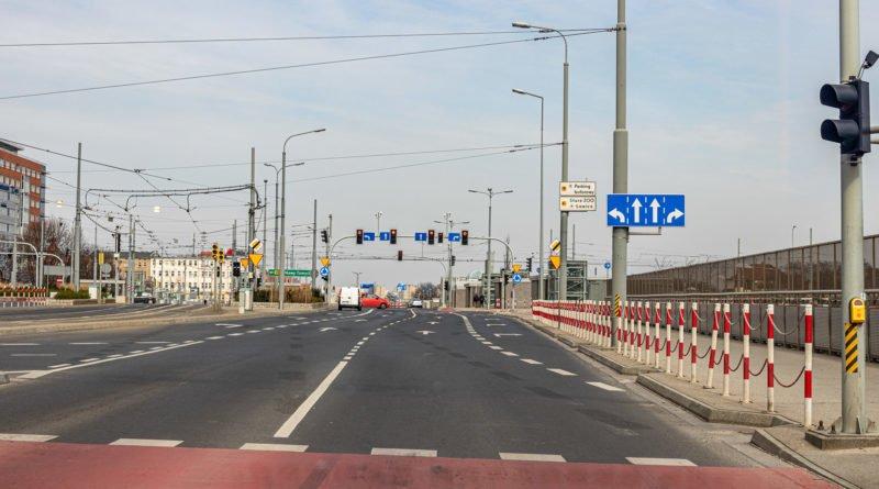 poznan epidemia fot. slawek wachala 4990 800x445 - Poznań: Zderzenie samochodu z tramwajem przy Kaponierze. Są utrudnienia w ruchu