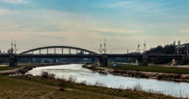 Poznań rzeka Warta Most Rocha Policja #zostańwdomu