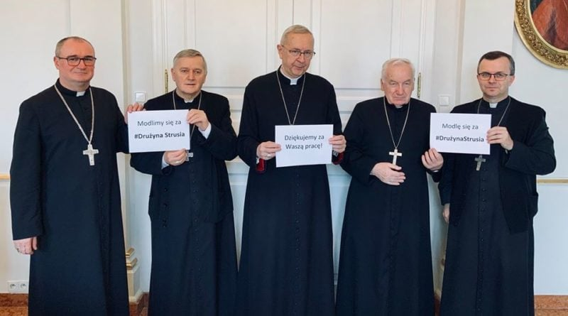 Poznańscy biskupi modlą się za Dużynę Strusia fot. Archidiecezja Poznańska