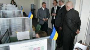 prezydent z ambasadorem ukrainy 4 fot. ump 300x169 - Poznań: Infolinia po ukraińsku i wizyta ambasadora Ukrainy