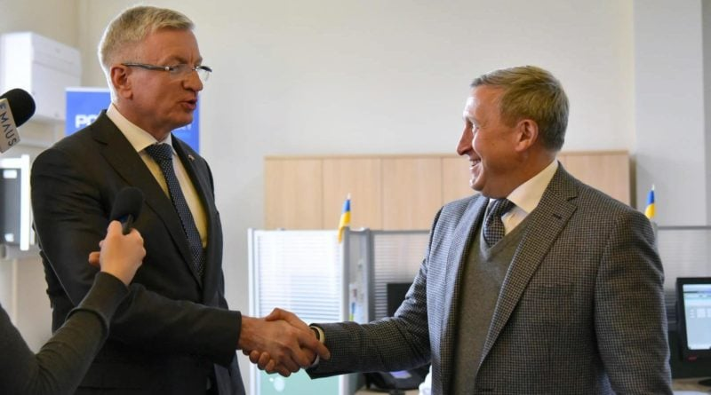 Prezydent z ambasadorem Ukrainy fot. UMP