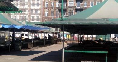 rynek na placu Bernardyńskim