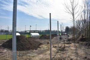 stadion 3 fot. pim  300x200 - Poznań: Trwa budowa oświetlenia boiska przy Drodze Dębińskiej