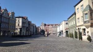 stary rynek 2 300x169 - Poznań: Słoneczna niedziela - a miasto puste!