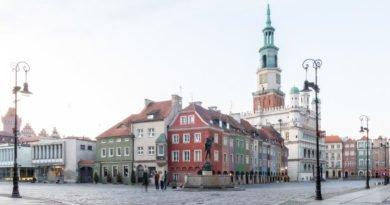stary rynek poznan fot. slawek wachala 4387 390x205 - Poznań: Jaką pomoc miasto oferuje przedsiębiorcom?