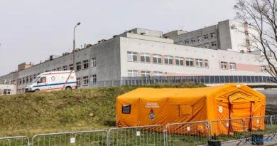 Szpital Zakaźny Szwajcarska ambulans fot. Sławek Wąchała