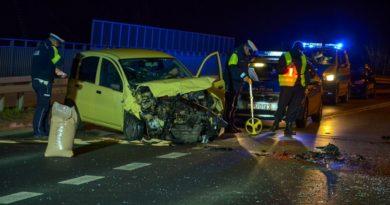 wypadek jarocin fot. policja 390x205 - Jarocin: Wypadek na Powstańców Wielkopolskich. Jedna osoba ranna