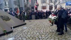 zolnierze wykleci 3 300x169 - Poznań: Wojewoda i kombatanci uczcili żołnierzy wyklętych