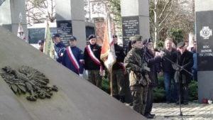zolnierze wykleci 8 300x169 - Poznań: Wojewoda i kombatanci uczcili żołnierzy wyklętych