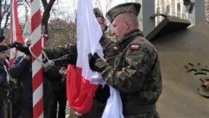 zolnierze wykleci 9 300x169 - Poznań: Wojewoda i kombatanci uczcili żołnierzy wyklętych