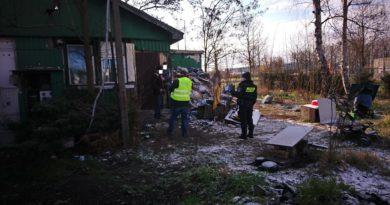 Poznań: Pracownicy socjalni zaczynają odwiedzać koczowiska bezdomnych