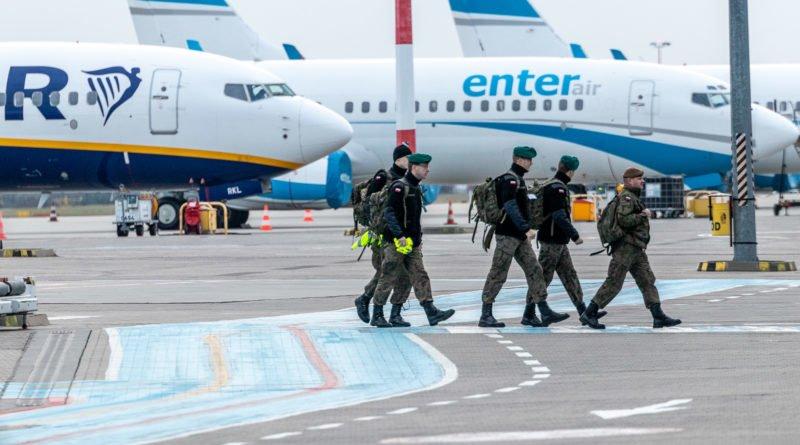 Ławica lotniczy transport medyczny WOT fot. Sławek Wąchała