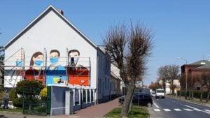 mural rogozno 3 fot. fb 300x169 - Rogoźno: W podzięce dla służby zdrowia.... namalowali mural!