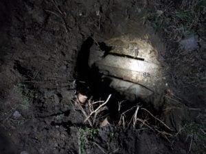 niewybuchy fot. policja  300x225 - Trzcianka: Naprawiał płot i... znalazł niewybuchy