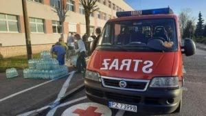 pomoc dla szpitala 4 fot. osp kostrzyn 300x169 - Kostrzyn: Strażacy wspomogli szpital przy Szwajcarskiej