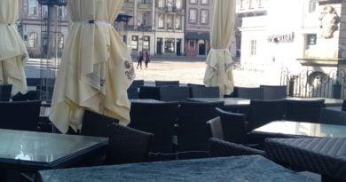 poznan stary rynek  390x205 - Poznań: Będzie pomoc dla restauratorów?