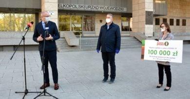 wojewoda i pomoc Chaty Polskiej fot. WUW