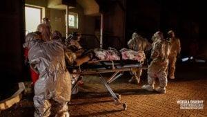 wojsko pomaga w ewakuacji dps kalisz 6 fot. wot 300x169 - Kalisz: Wojsko pomogło w ewakuacji DPS w Kaliszu