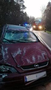 wypadek 2 fot. osp dabrowka lesna  169x300 - Oborniki: Samochód dachował między Dąbrówką Leśną a Lipą