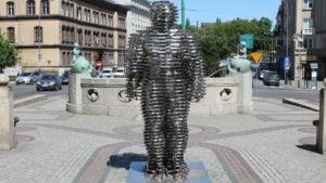 golem aleje marcinkowskiego tomasz dworek 2 300x169 - Poznań: Gdzie jest Golem?