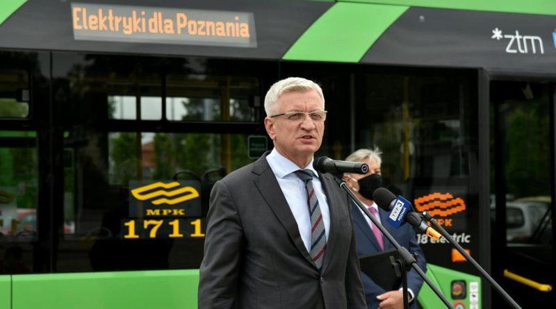 jacek jaskowiak fot. ump 1 800x445 - Poznań: Jacek Jaśkowiak o szpitalu polowym, idiotach i zamknięciu szkół