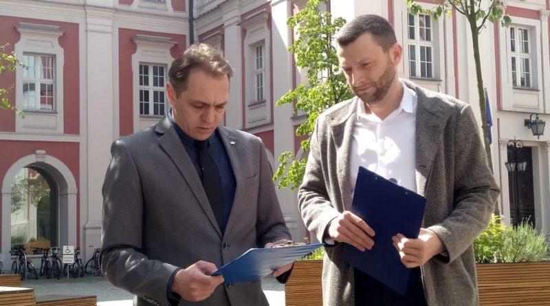 Jacek Olszewski i Robert Mędlewski KORWiN