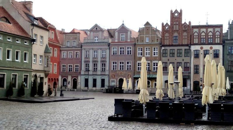ogrodki czekaja 3 800x445 - Poznań: Radni uchwalili stawki za ogródki gastronomiczne. Z obniżkami na czas pandemii