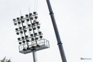 oswietlenie na stadionie warty poznan fot. slawek wachala 9388 300x200 - Poznań: Maszty oświetleniowe na stadionie Warty już stoją!
