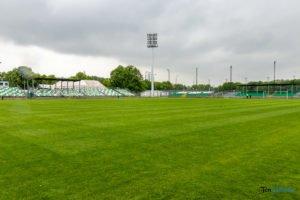 oswietlenie na stadionie warty poznan fot. slawek wachala 9391 300x200 - Poznań: Maszty oświetleniowe na stadionie Warty już stoją!
