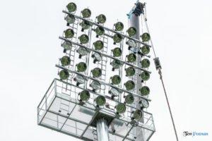 oswietlenie na stadionie warty poznan fot. slawek wachala 9427 300x200 - Poznań: Maszty oświetleniowe na stadionie Warty już stoją!