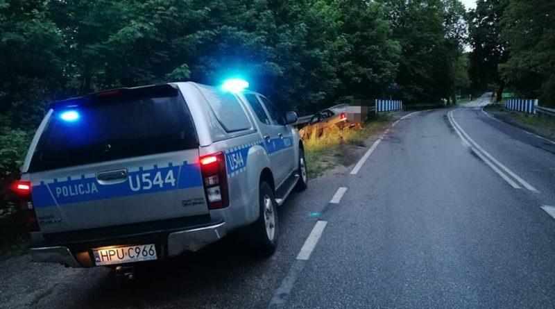 radiowoz fot. policja 800x445 - Poznań: Wypadek na trasie Dopiewiec - Palędzie. Dwie osoby poszkodowane