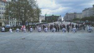 spacer z konstytucja 5 300x169 - Poznań: 3 Maja, czyli spacer z Konstytucją na placu Wolności