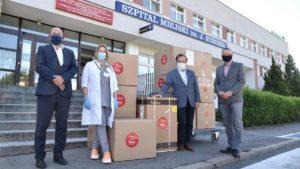 wsparcie od grupy amica 1 fot. ump 300x169 - Poznań: Amica przyjechała z pomocą dla szpitala im. Strusia
