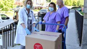 wsparcie od grupy amica 3 fot. ump 300x169 - Poznań: Amica przyjechała z pomocą dla szpitala im. Strusia