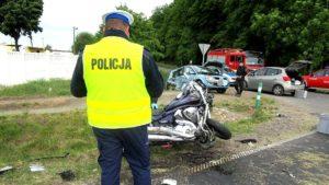 wypadek 2 gaj maly fot. policja 300x169 - Szamotuły: Wypadek w Gaju Małym. Rannego zabrał śmigłowiec LPR