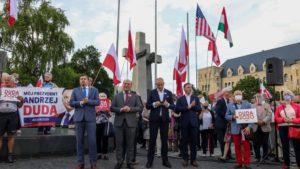 demonstracja i wiec fot. s. wachala13 300x169 - Poznań: PiS i Młodzi Nowocześni, czyli dwie demonstracje na jednym placu