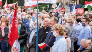 demonstracja i wiec fot. s. wachala14 300x169 - Poznań: PiS i Młodzi Nowocześni, czyli dwie demonstracje na jednym placu