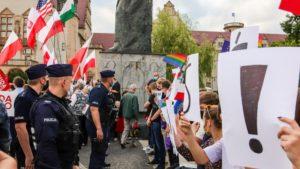 demonstracja i wiec fot. s. wachala17 300x169 - Poznań: PiS i Młodzi Nowocześni, czyli dwie demonstracje na jednym placu