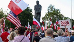 demonstracja i wiec fot. s. wachala7 300x169 - Poznań: PiS i Młodzi Nowocześni, czyli dwie demonstracje na jednym placu