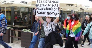 Demonstracja przeciwko Karcie Nienawiści fot. S. Wąchała