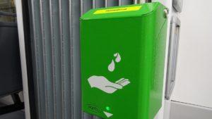dezynfektor fot. mpk 300x169 - Poznań: Urządzenia do dezynfekcji rąk w autobusach i tramwajach