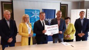golecin podpisanie umowy fot. umww 300x169 - Poznań: Dodatkowe pieniądze na stadion na Golęcinie. Od marszałka